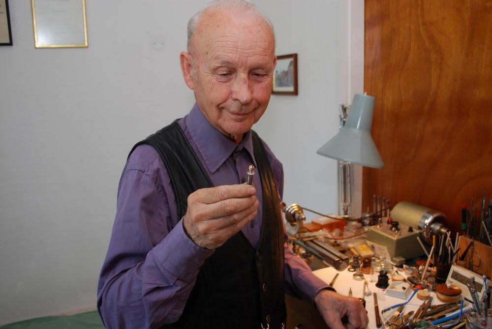 Knut Magnussen, en av enerene i urmakerfaget